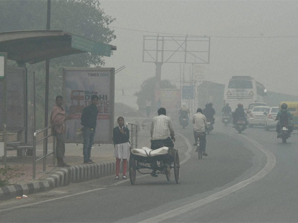 A view of New Delhi street covered with dense smog on Saturday.