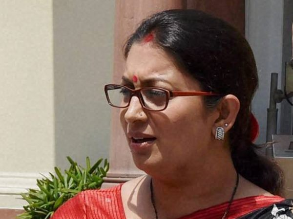 Irani pays Rs 100 for slipper reparing