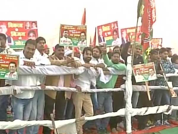 Akhilesh's supporters present in the rally