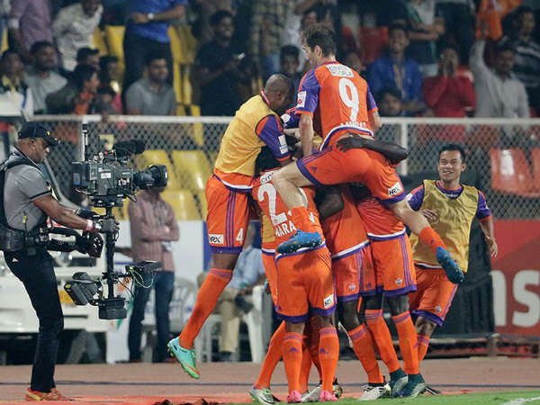 FC Pune City players celebrate (Image courtesy: ISL Twitter handle)
