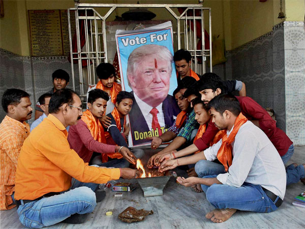 Akhil Bharatiya Hindu Mahasabha members performing Havan for the victory of US presidential candidate Donald Trump at a temple in Patna