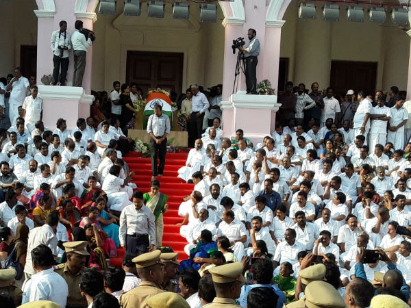 Tributes continue to pour in for Jaya