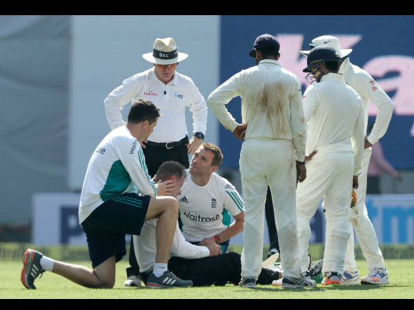Physio rushed to attend to the umpire