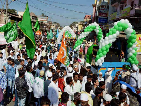 In Pics: India celebrates Eid-e-Milad-un-Nabi - Oneindia News
