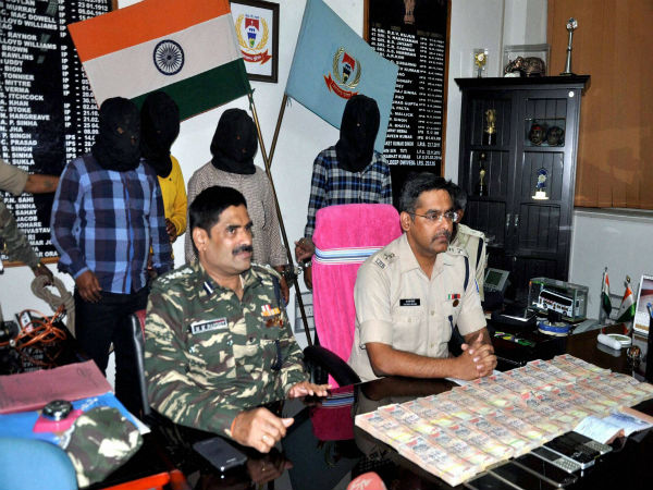 Police sezied 25 lakh rupee currency