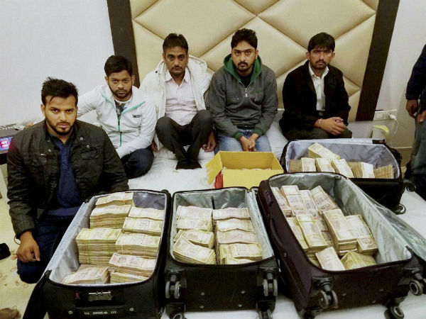 Rs 3.25 crore recovered in Delhi