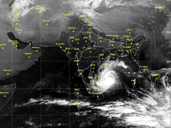 Severe cyclonic storm heads towards Andhra-Tamil Nadu coast