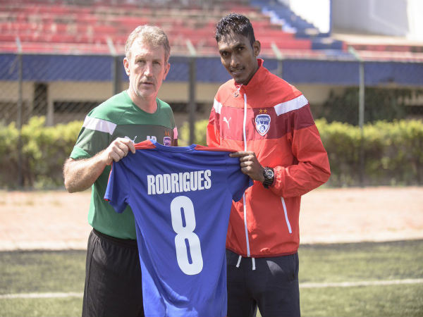 Lenny Rodriguez (right) with manager Albert Roca (Image courtesy: Bengaluru FC Twitter handle)