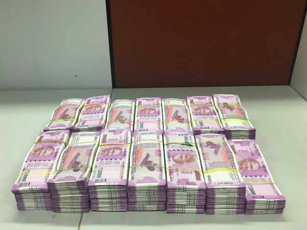 Unaccounted cash Rs 36 lakh in 2,000 notes seized in TN