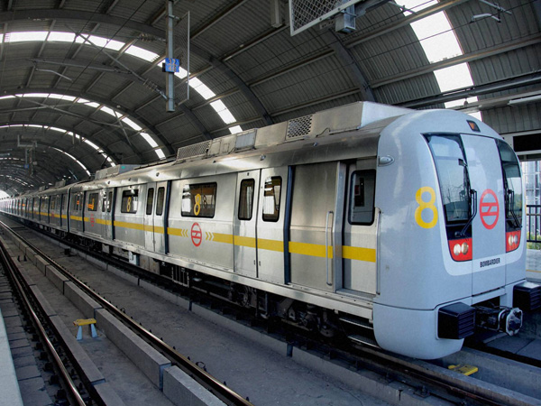 Delhi Metro: Man with live bullets held