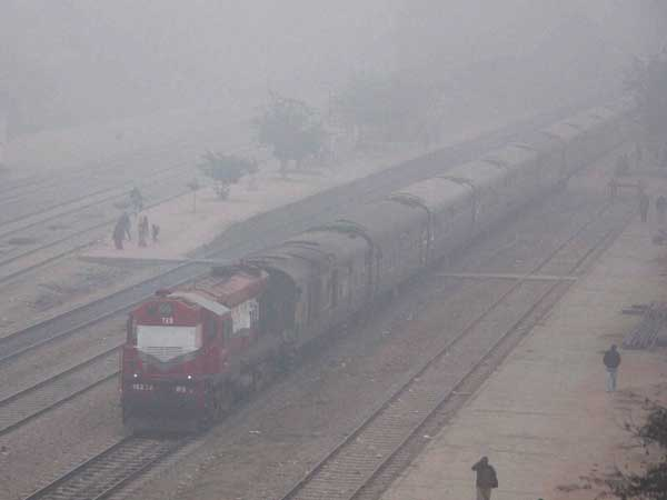 Fog hits train services