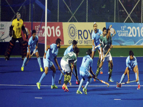 India and Pakistan men's Hockey Team players in action