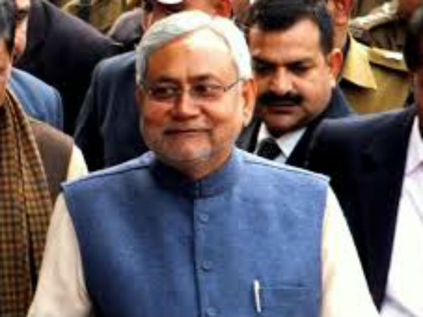 Nitish, Sharad differ over notes ban