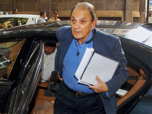 Wadia removed from Tata Motors Board