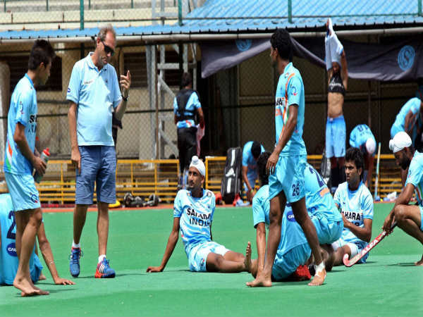 Roelant Oltmans (left) with Indian Hockey team