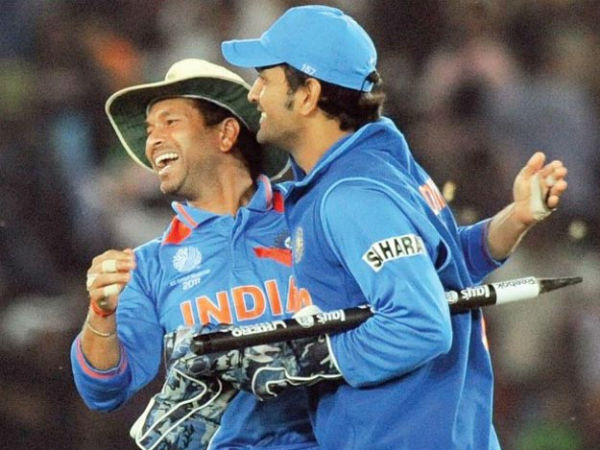 Sachin and Dhoni during the 2011 World Cup