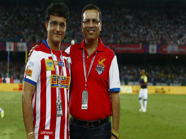 Sanjiv Goenka with ATK co-owner Sourav Ganguly (Image courtesy: ISL Twitter handle)