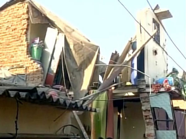 3 dead after house collapsed in Maha