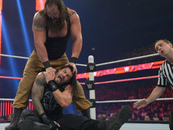 Reigns vs. Strowman on Raw (image courtesy WWE.com)