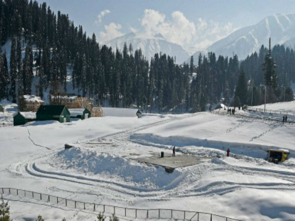 Where is Gulmarg located: