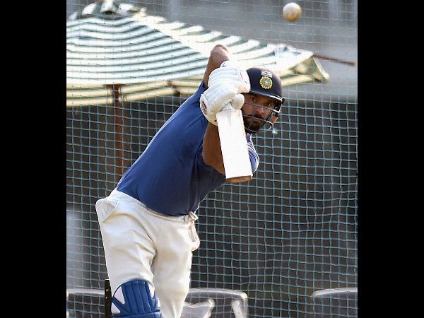 Yuvraj Singh practices in the nets