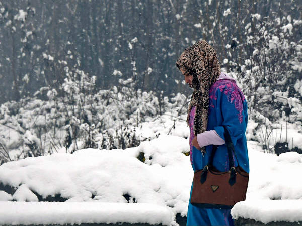 Srinagar shivers at minus 2 degrees