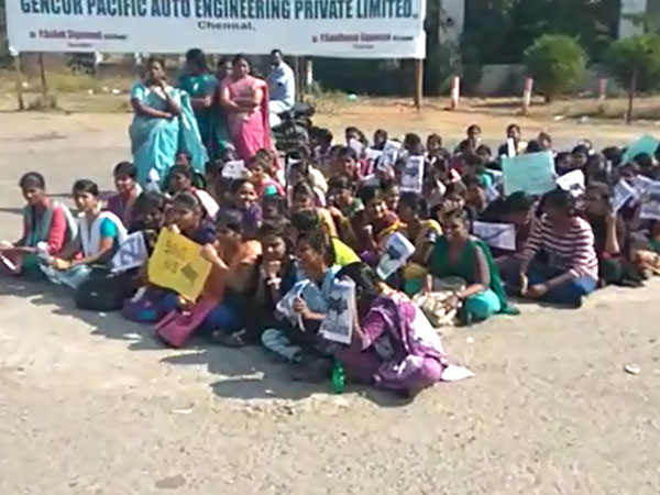 Jallikattu protest at Villupuram