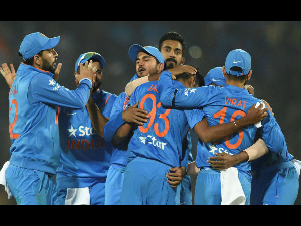 Team India celebrate with Bumrah