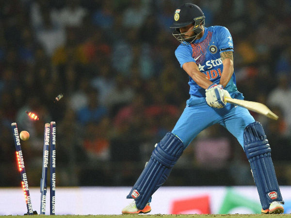 Manish Pandey gets clean bowled