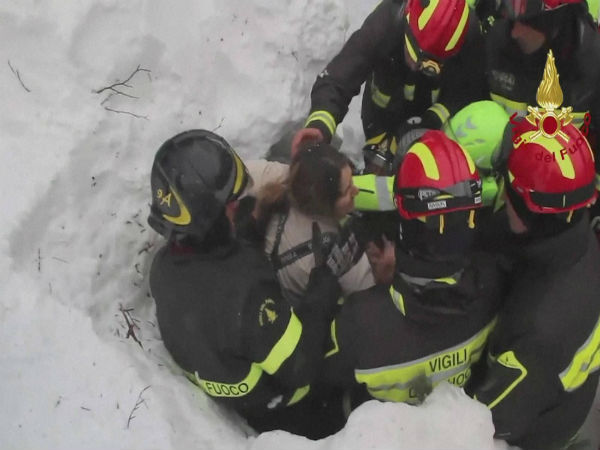 Italy hotel avalanche: 10 found alive after 2 days