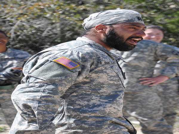 Turbans, beards, hijabs allowed in US Army