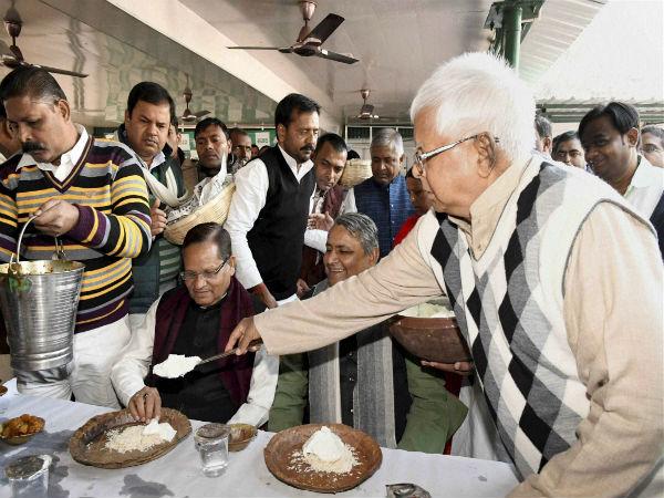 It's sedition to replace Mahatma Gandhi with PM: Lalu Prasad Yadav