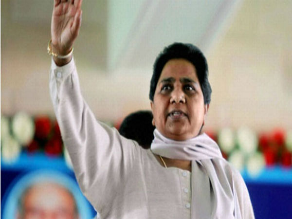 Mayawati's UP election strategy: Focus on note ban, SP family feud