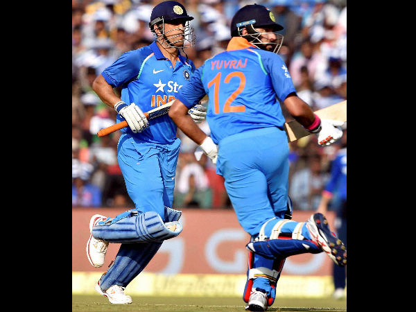2nd ODI: Yuvraj-Dhoni power India to series clinching win against England at Cuttack