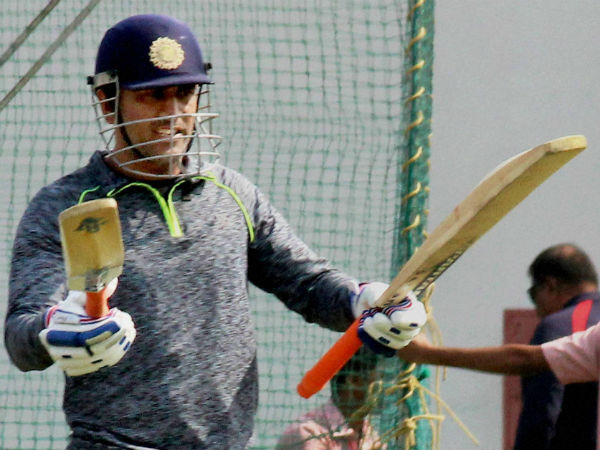 Will MS Dhoni rediscover his batting touch?