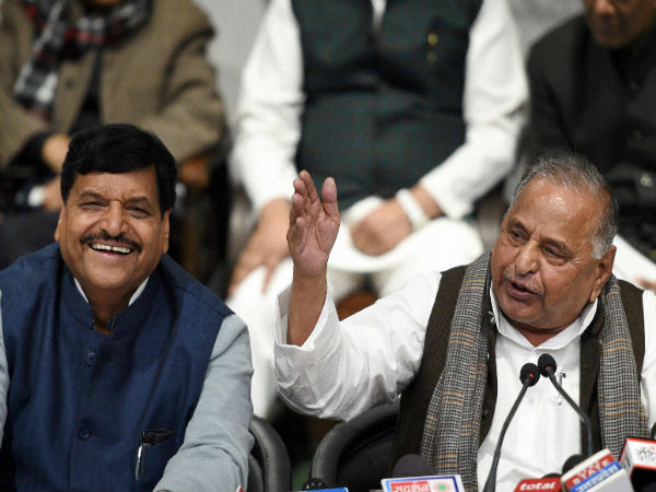 Mulayam to party members: SP will not be allowed to split