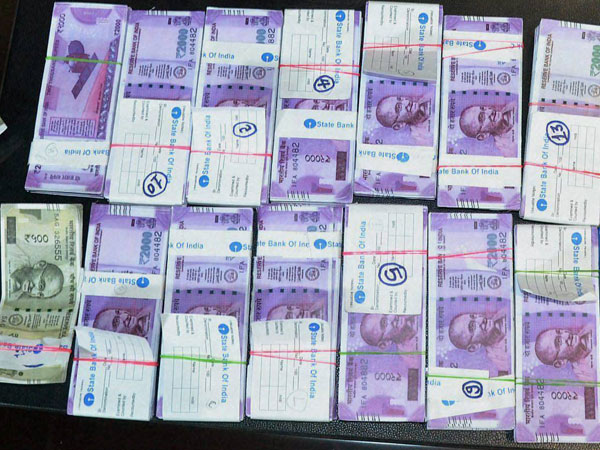 Over Rs 4 cr unaccounted cash seized from 3 places in Tamil Nadu