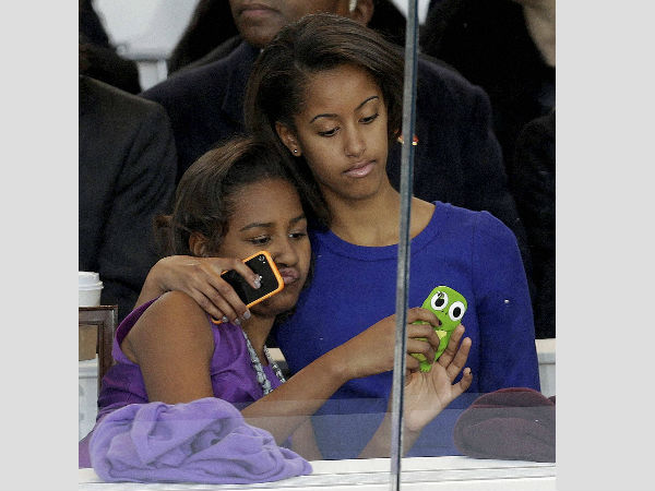 Bush twins write heartwarming open letter to Obama sisters