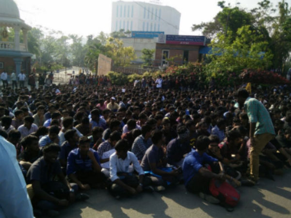 SRM & VEC college students join our hands to support jallikattu