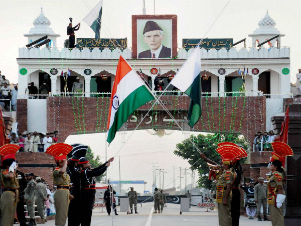 BSF gifts sweets to Pak counterpart on R-Day