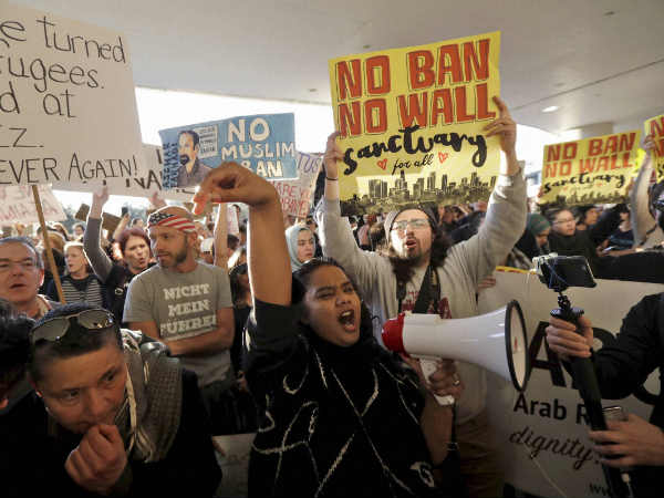 Trump's refugee ban sparks protests