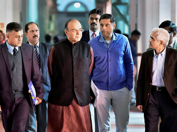 Union Finance Minister Arun Jaitley with Economic Affairs Secretary Shaktikanta Das, Finance Secretary Ashok Lavasa and others arrive for a pre-budget meeting with bankers in New Delhi in this file photo.