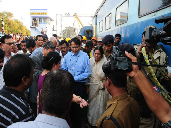 Suresh Prabhu visited train accident Spot: