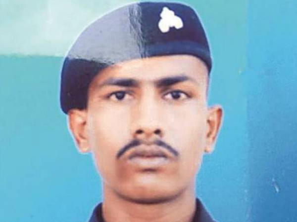 Indian soldier who strayed across LoC held in Pakistan to be released today