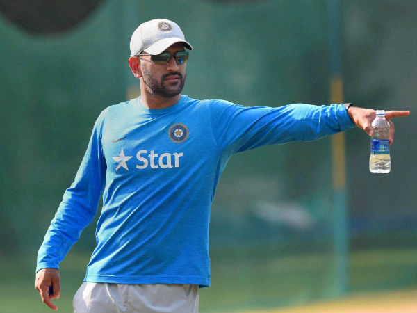 Virat ready for captaincy, will take all decisions now: MS Dhoni