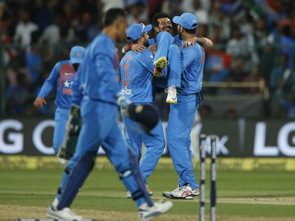 Yuvraj lifts Chahal in his arms