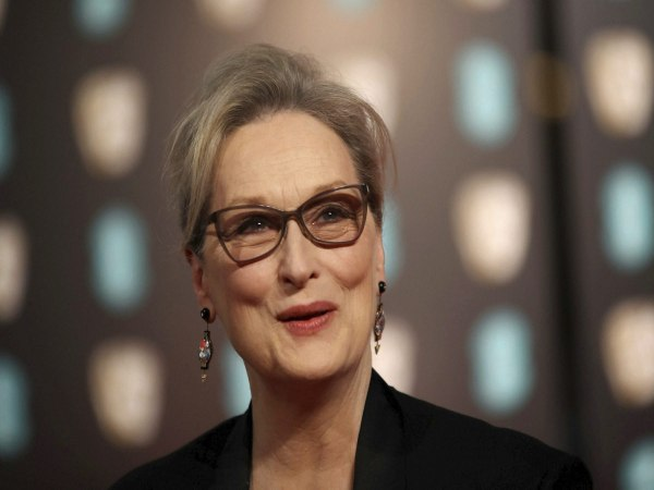 Film fraternity rallies behind Streep