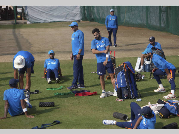 Anil Kumble (4th left) and Indian players at practice in Hyderabad on Monday (February 6)