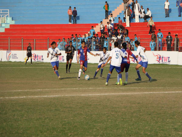 Eastern Union Sporting Club (maroon& blue) Vs Rising Students Club (Image courtesy: Indian Football Team Twitter handle)