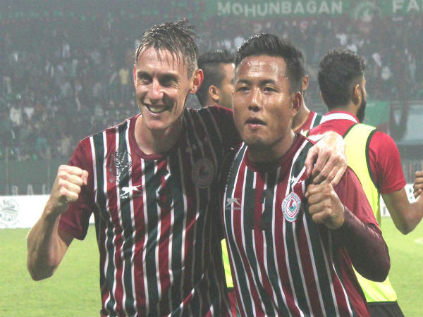 Goal scorers Daryl Duffy and Jeje Lalpekhlua (Image courtesy: Mohun Bagan Twitter handle)